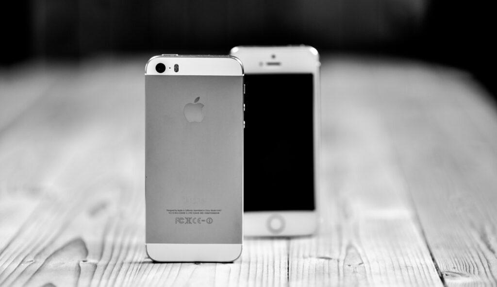 porovnanie iPhonov
