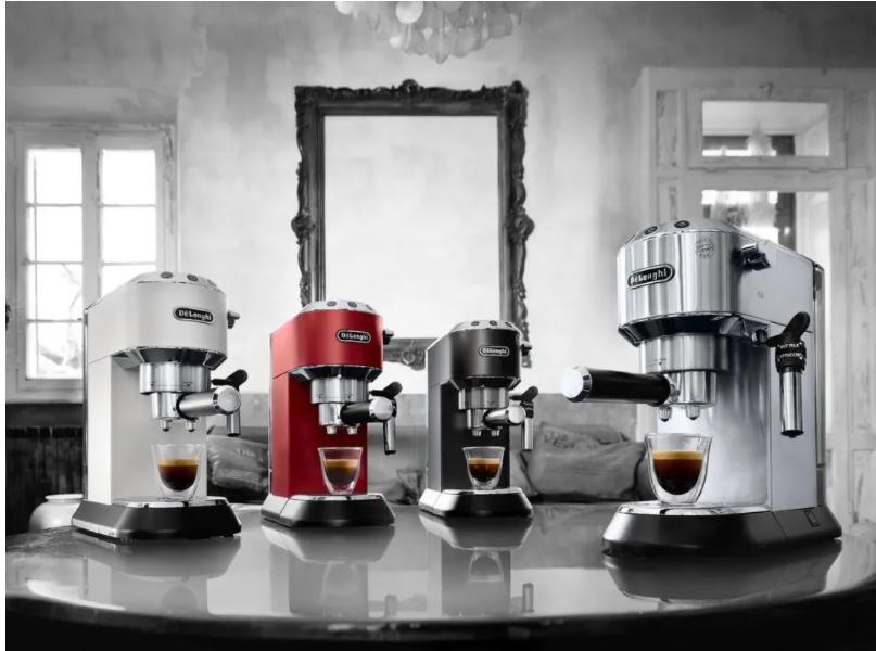 DeLonghi pákový kávovar s mlynčekom