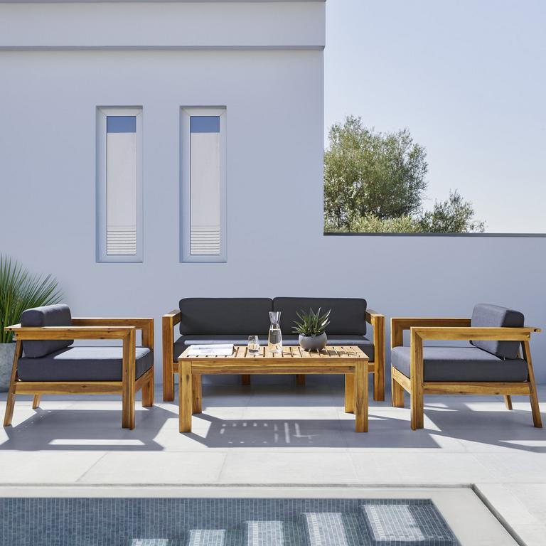 luxusný záhradný nábytok