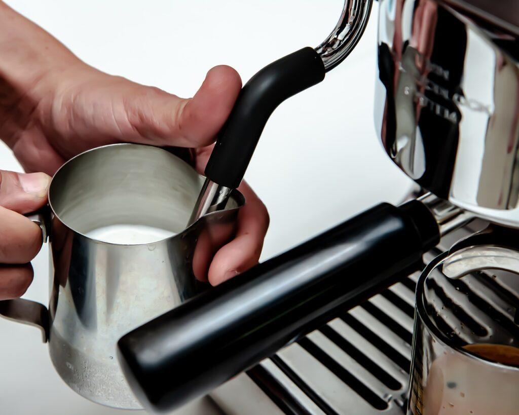 napeňovač mlieka na kávovare