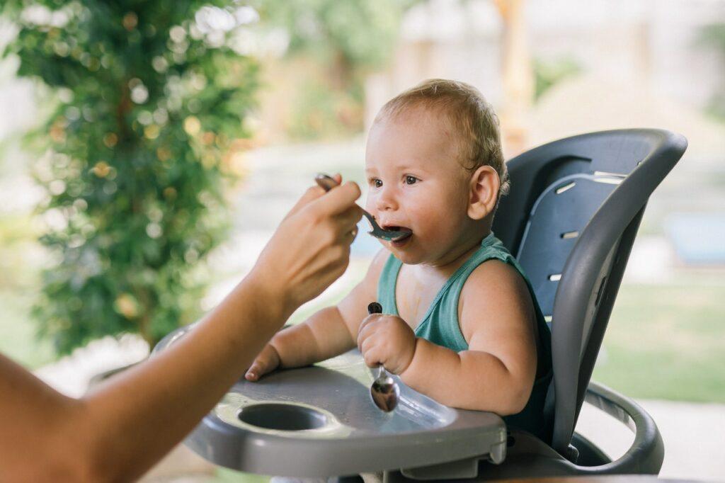 ako vybrať detskú jedálenskú stoličku?