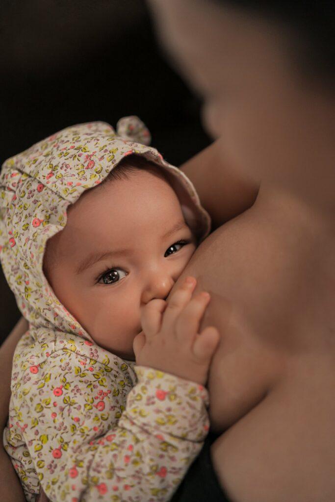 dojčenie bábätka